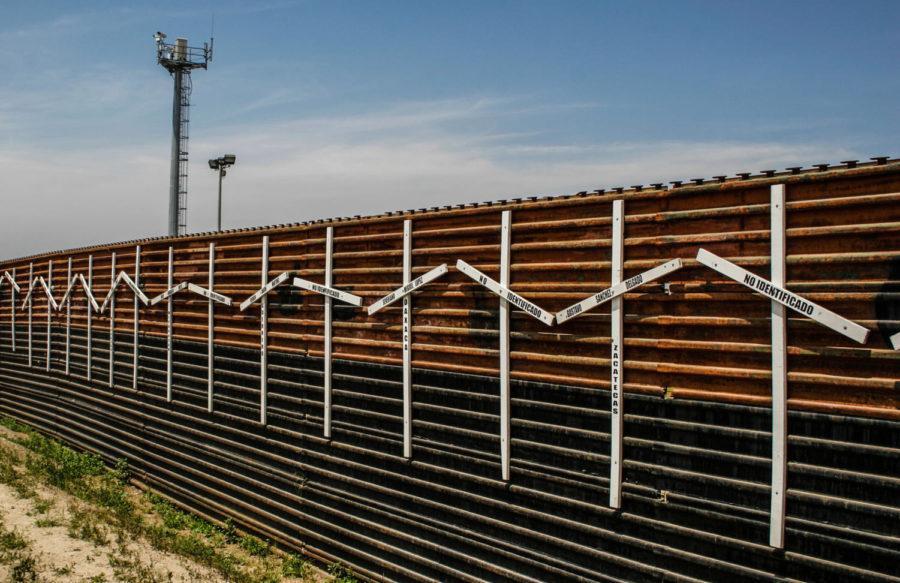 Border Wall (wikipedia)